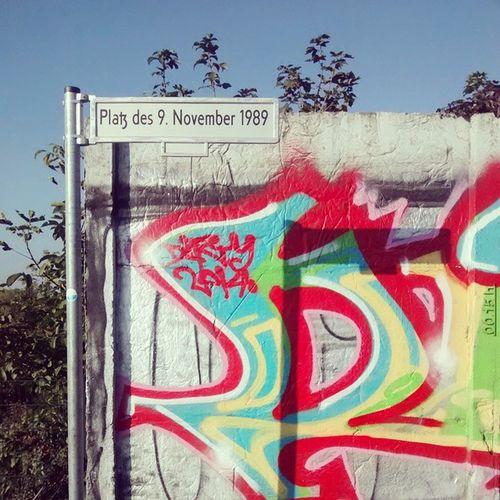 It was a bank holiday yesterday celebrating the 'German Unity Day'. Berlinwall Unificationday