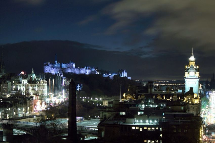 hello everyone. its been a while ? hope yiu all had a great xmas and new year! this is edinburgh castle ✌️ Eye4photography EyeEm Best Shots
