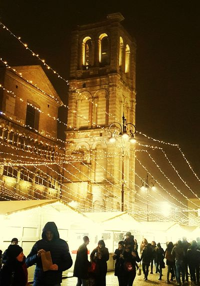 Large Group Of People Night Illuminated Architecture People Outdoors Christmas Lights Christmas Decoration Christmas Decorations Ferrarabynight Ferrara- Italy FerraraCity Ferrara Ferrara 2016 Ferraracittadellebiciclette Christmas Time Ferraracentro Ferrara, Italy Nebbia Architecture