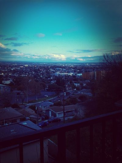 Watching The View(EAST LOS)