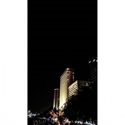 Mumbai at night ♥♥♥Mumbai Narimanpoint Buildings Night Lights Queensneklace Mumbaiinstagrammers Things2doinmumbai Mumbai_lifestyle Citylights Instagram City Citylife Somumbai Mymumbai