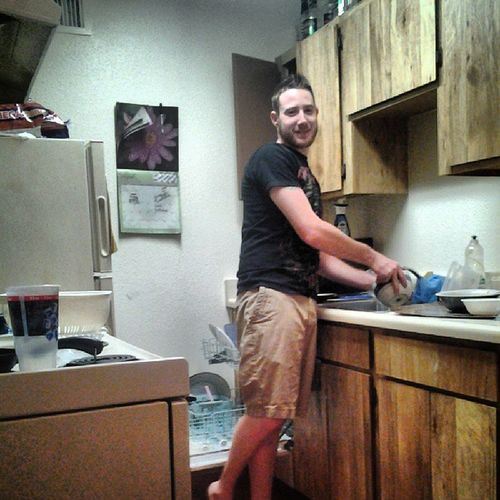 Look who's washing my dirty dishes! Doasisay Funny as Fuck @yeah_wear_vans