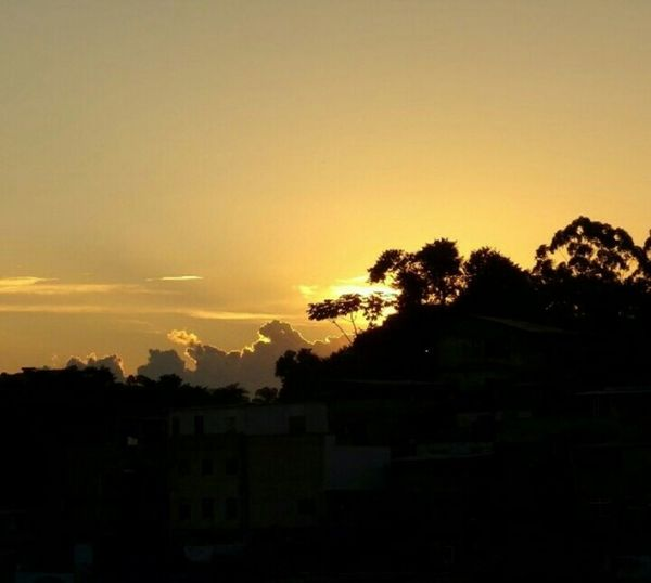 Learn & Shoot: Layering Pordosol Beautiful Nature Yellow Sky Winter Sunset Nature_collection Photography Brasil Photo