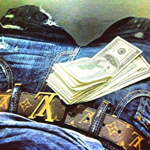 Young nigga who getting money !!