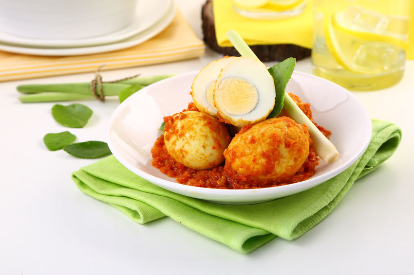 Telur Balado Jeruk / Spicy Chile Sauce with Eggs Clean Close-up Egg Food Freshness Green Color Hot Meal No People Pedas Plate Ready-to-eat Served Serving Size Spicy Still Life Telur White Table