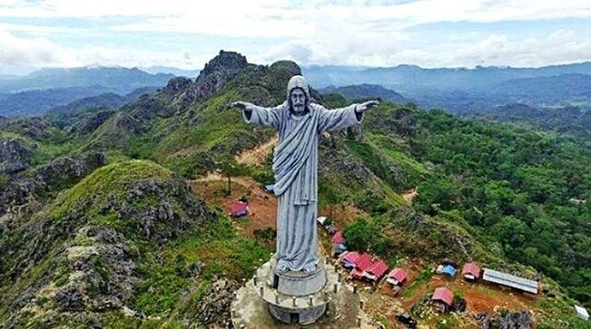 Jesus Christ Beauty In Nature Toraja Utara Toraja Indonesia Torajaland Burake not Brazil but Toraja 😇