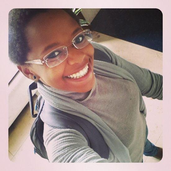 Sorriu e andou ? ? ? Boa sexta!!! Dia da felicidade sem motivo ? ? ? Natural Girl Proud_to_be_me