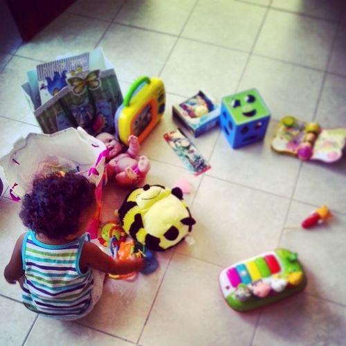 Feliz día de reyes chiquindola. Lia Reyesrd Toys