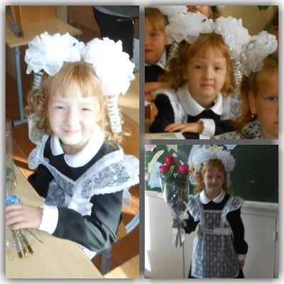 1сентября первыйраз в первыйкласс моя сестренка пошла в школу:)