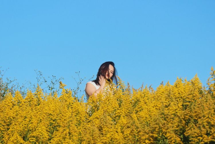 Be sensitive cause you don't know who's around you. Nature_collection Autumn colors Autumn Sightseeing portrait of a friend Beautiful Portrait Portrait Of A Woman Naturelovers Nature Photography Plant Yellow Growth One Person Flower Flowering Plant Beauty In Nature Nature Sky Young Women Young Adult Lifestyles Clear Sky Blue Leisure Activity Copy Space Day Land Real People Women
