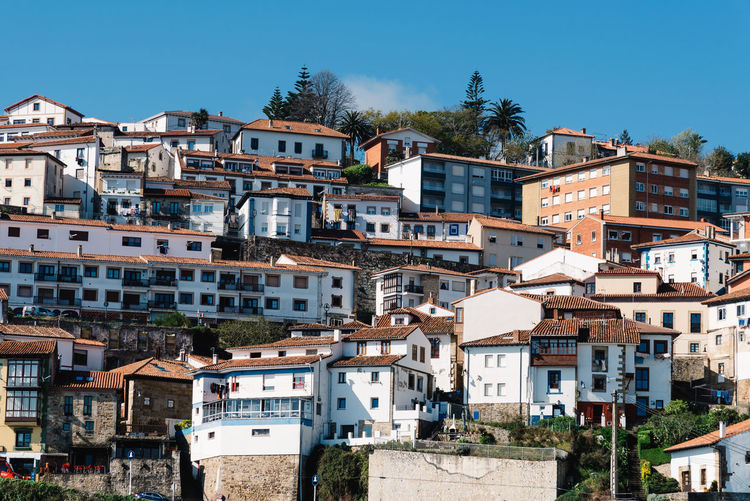 Scenic view of the beautiful fishing village of Lastres in Asturias Asturias Asturias Paraiso Natural🌿🌼🌊🌞 Europe Travel Travel Destinations Lastres Sky Nature Day Village Coast Built Structure Architecture Building Exterior Building Clear Sky City Residential District No People Outdoors Fishing Village Sunlight House Town TOWNSCAPE