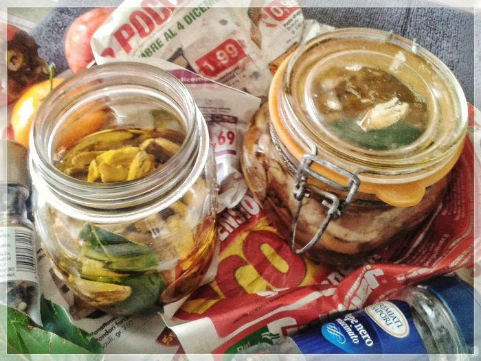 Mettendo i funghi sott' olio. Autumn Mushrooms Oil Canning Jars Funghi Jar Close-up Food And Drink