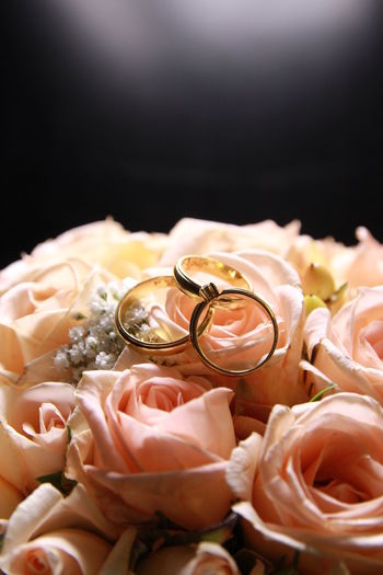 Weddings Weddingrings Boquet Dark