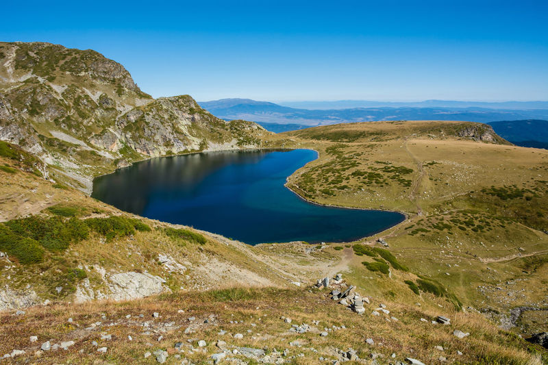 Seven Rila Lakes, Bulgaria The Kidney Бъбрека (Babreka) 2,282 m (7,487 ft) 8.5 ha (21 acres) 28.0 m (91.9 ft) Steepest shores of all Water Scenics - Nature Beauty In Nature Tranquil Scene Tranquility Sky Mountain No People Nature Day Non-urban Scene Environment Lake Landscape Rock Idyllic Blue Land Mountain Range Outdoors Lake View Nature Nature_collection Nature Photography Beauty In Nature My Best Photo