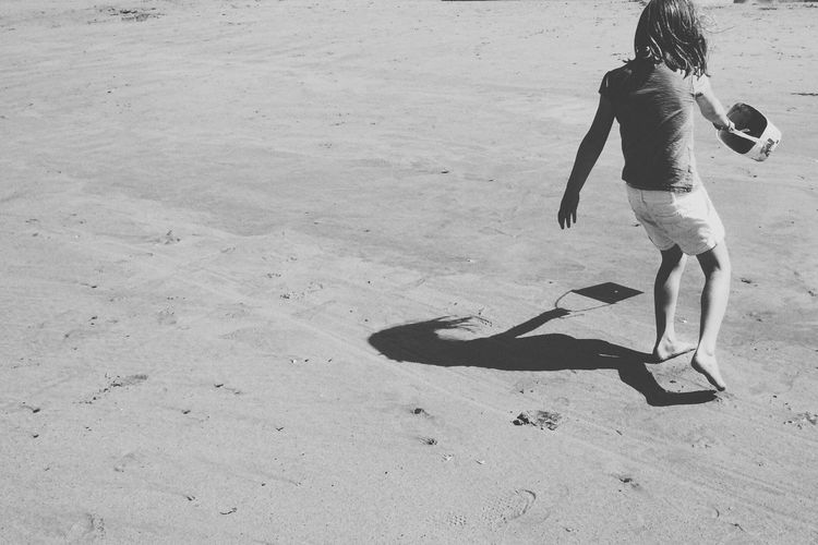 Summertime on Beach Summer Summertime Summer Views Summer ☀ Summer2016 Beach Beach Photography Beachphotography Beach Life Beachlife Kids Kids Being Kids Kidsphotography Bucket And Spade Newquay Cornwall Holiday Vacation VSCO Vscocamphotos Blackandwhite Blackandwhite Photography Black And White Black And White Photography Black & White