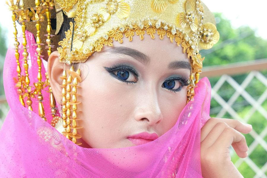 Portrait Beauty Beautiful People Indonesian Beauty Human Face Close-up Human Body Part Indonesia Scenery Fashion Photography Indonesian People's Indonesian Traditional Oriental Style Indonesian Culture Malaysian Culture Oriental Girls Malay Oriental Girls Kebaya Fasions Kebaya Style Kebaya Indonesia Indonesian WomenMalay Culture Indonesian Girl Oriental Girl Indonesian Beauty Girl Indonesianculture