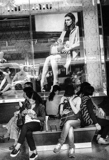 Streets Of Seoul Urban Lifestyle Before Mers The Fashionist - 2015 EyeEm Awards The Photojournalist - 2015 EyeEm Awards Fashion Forever My Smartphone Life People With Smartphones The Traveler - 2015 EyeEm Awards The Portraitist - 2015 EyeEm Awards Mobile Conversations
