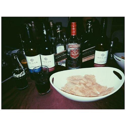 Chill drinking with Molave Crew! Best Valentine's ever! :D Nugan Blacklabel Smirnoff 100happydays day4
