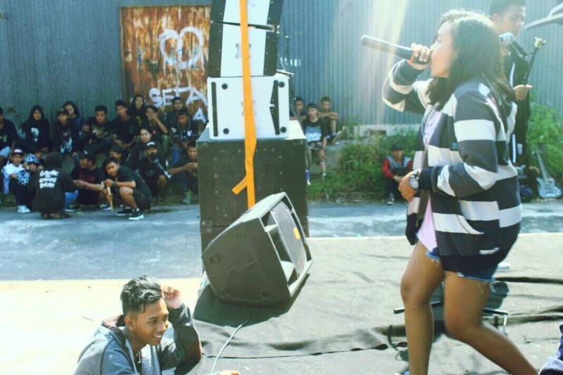 on stage Onstage Music Festival Underground Underground Music Vokalfest Female Vocalist Get Up And Go Metal Metalcore Metal Industry Screaming Screamer Wakeup Anti Social Social Club