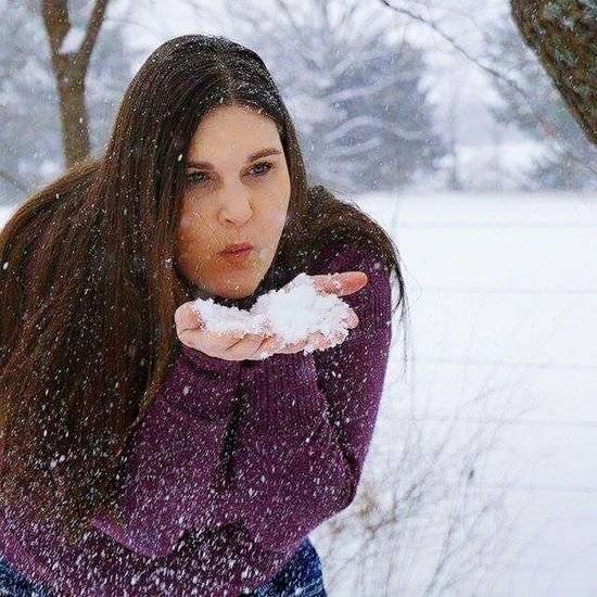 Let Your Hair Down Let It Snow Self Portrait Chexk This Out! Taking Photos Showcase April This Week On Eyeem April Photo Challenge Eyemgallery Eym & Getty Collection EyeEm Best Shots Eyem Masteclass Getty Artistic Photography Portrait Of A Woman Eyemphotography Eyem Portraits People Of EyeEm Nature & People Snowflakes Artistic Photo Artistic Expression Artistic Freedom Fresh on Market The Portraitist - The 2016 EyeEm Awards Human Expressions