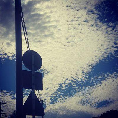 ブツブツ雲☁