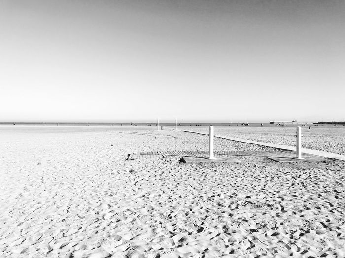 Playa Iphone7plusphoto IPhoneography Huellas En La Arena Invierno Gente Byn Playa Water Sea Clear Sky Land Scenics - Nature Beach Day Horizon Over Water Horizon