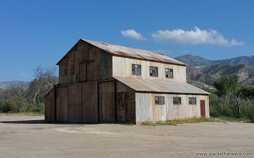 Barn Abandoned California Urbanexploration Urbex Abandonedplaces Polsarosamovieranch Picoftheday Actonca Abandonedcalifornia Abandonedamerica Actoncalifornia Photography Amazingplaces Acton Mojave MojaveDesert Abandonedbuilding