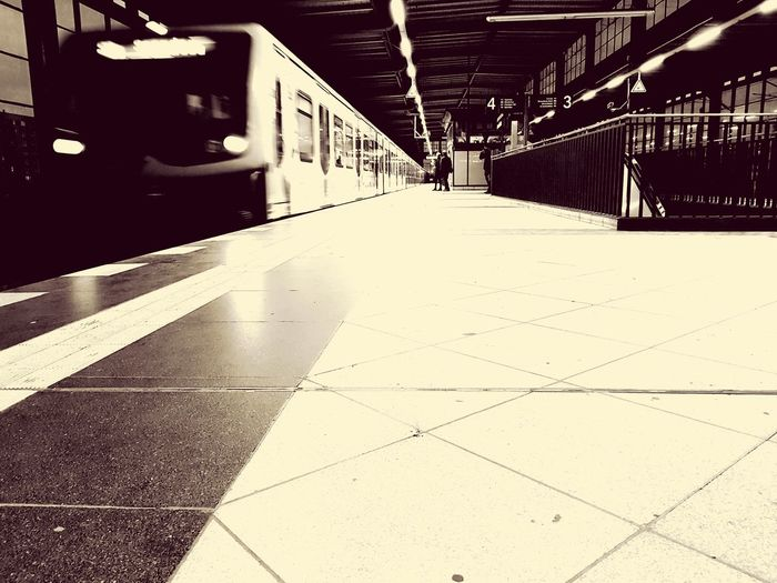 Berlin underground EyeEm Best Shots Eye4photography  Taking Photos Ilovephotography EyeEm Selects Berlin Photography ınstagram Streetphotography Blackandwhite Photography Berlin Iloveberlin Amateurphotography Travelinberlin Berliner Ansichten Galaxys8 Stopthetime Vacation Time EyeEmBestPics Ichbineinberliner Vintage Vintageberlin Vintagephoto Vintage Photo Vintage Foto Indoors  No People Day
