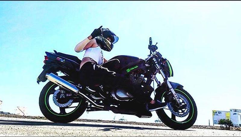 Im number one 1 mastered the saddle croutch Suzuki Stuntgirls Stuntlife Stuntpractice Onehanded Motorcycle_edits Gopro Rollingontwo Pistonaddictz Riderich Girlbiker Saaraazh Shift_life SportBikeLife Bikergirlsofinstagram Bikeswithoutlimits Riderich Ridersalute Clutchpop Universalbikers