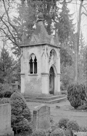 Cemetery Graveyard BeautyCemetery Photography Mystery Graveyard Grave Black & White Blackandwhite Photography Weimar Historic