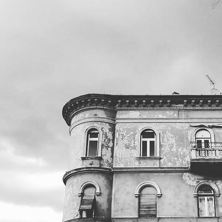 Mik Budapest Urbanphotography Urbanphoto Bnw_life Bnw Bnw_captures Bnwhungary Bnw_city Ikozosseg Instaphoto Minimal Blackandwhite Bnw Photography Jj_minimalism Building_photo