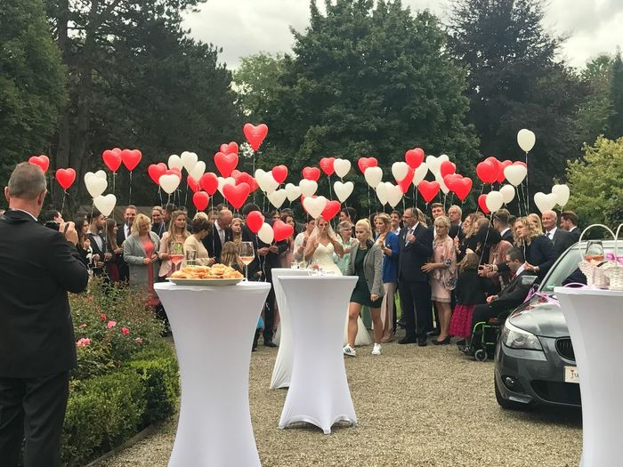 Hochzeit Celebration Real People Large Group Of People Life Events Celebration Event Togetherness Outdoors Party - Social Event Wedding Well-dressed Tree Erding Ceremony Arts Culture And Entertainment Schloss Aufhausen Balloon