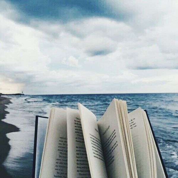 What a nice day to read ;) Mood Calmness Love ♥ No People Feel The Journey Nature Bookworm Book Reading A Book Reading Reading & Relaxing Reading Time Reading Time!