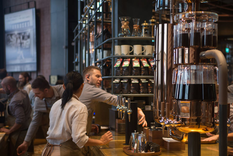 Particulars from the newly opened Starbucks store in Milan. Food And Drink Drink Refreshment Indoors  Men Bar - Drink Establishment Lifestyles Business People Bar Counter Starbucks Starbucks Coffee Starbuckscoffee Coffee Coffee - Drink Coffee Time Store Milano Milan Starbucks Milano Workers Workers At Work Barmantender Barman Barmaid