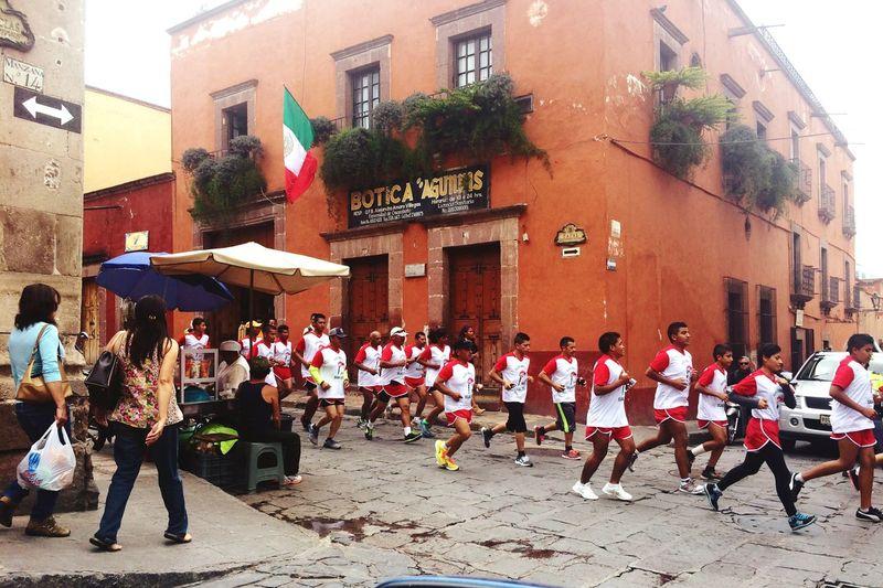 San Miguel De Allende Carrera De La Independencia 15deSeptiembre Viva Mexico