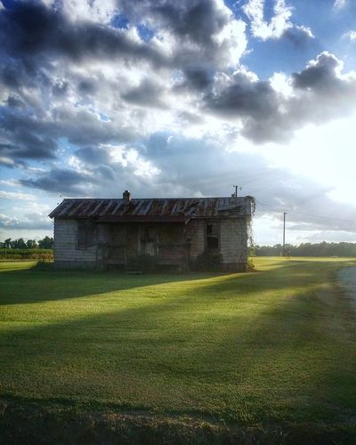 days like this... Cloud - Sky No People Outdoors Landscape Rural Scene Grass Art Is Everywhere Visual Feast Summertime Tones Eye4photography  Abandoned & Derelict Getty Images EyeEm Selects Sky Scenics Sunny Day Sunshine Makes Everything Better Sunshine And Summer Time Sunshine Cloudy Skies