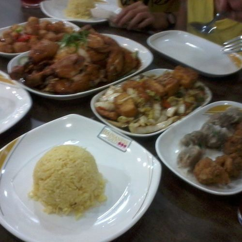 Hainanesedelights Dinner Yummy Pakabusog instafood dami sulit dinner with my family
