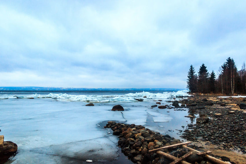 Coast Amazing Beautiful Beauty In Nature Cloud - Sky Coastline Cold Day Horizon Over Water Ice Karelia Lake Nature Nature Photography Nature_collection No People Outdoors Russia Scenics Sky Stone Tranquility Tree Water Weather Winter