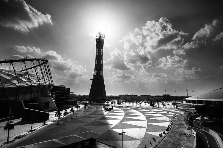 #blackandwhite #blackandwhitephotography #Contrast #Light & #Shadows #Photograph #photographer #photographs #photographyislifee #photographyislife #Photographic #photographe #photographysouls #photographylovers #instaphotography #monoart_ #monoart_mx #instagood #picoftheday #photooftheday#bnw_rose Large Group Of People Sky Architecture Cloud - Sky Built Structure Travel Destinations Monument