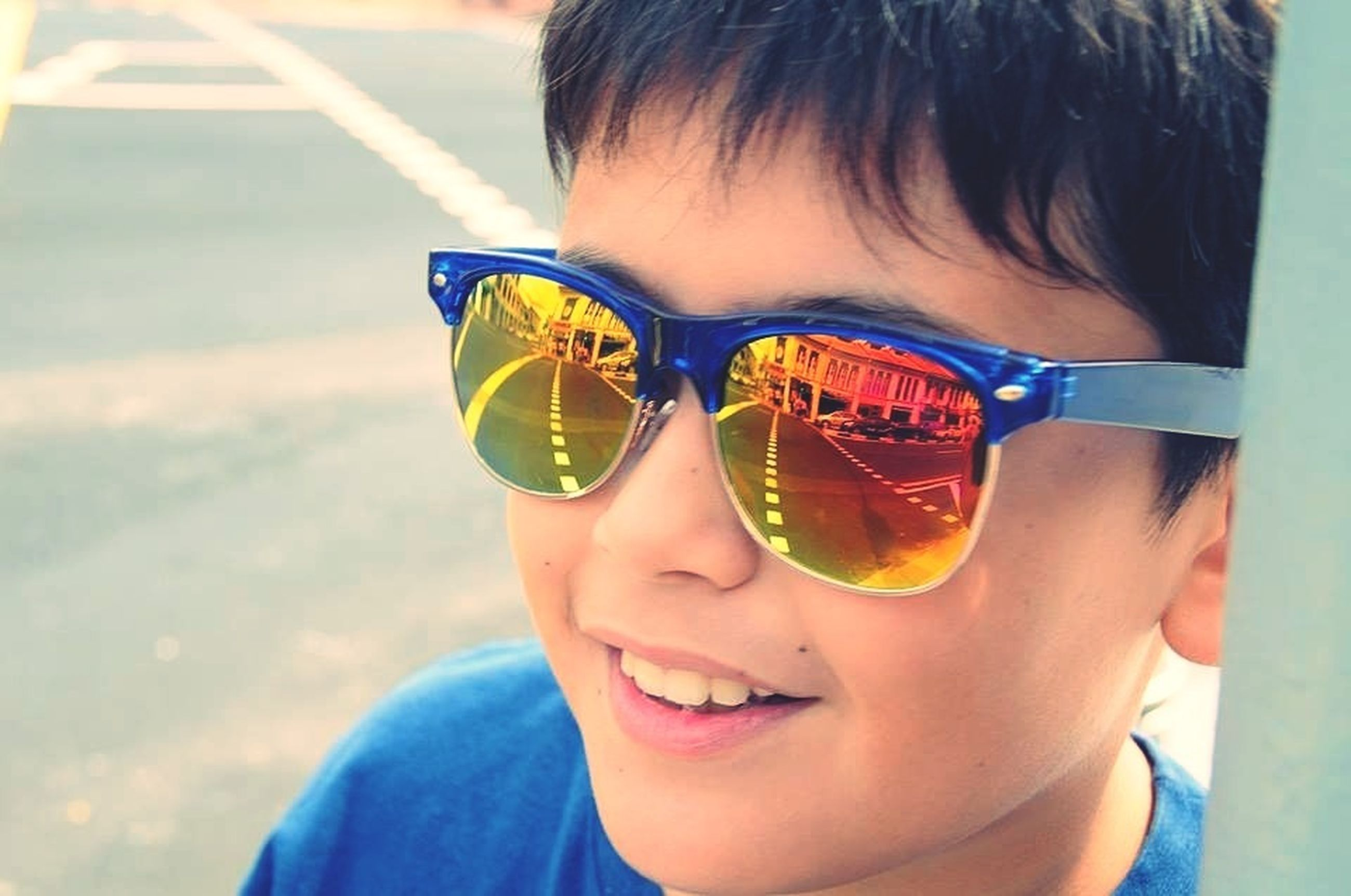 lifestyles, leisure activity, person, food and drink, headshot, refreshment, sunglasses, childhood, drink, holding, elementary age, focus on foreground, close-up, front view, boys, looking at camera, portrait, girls