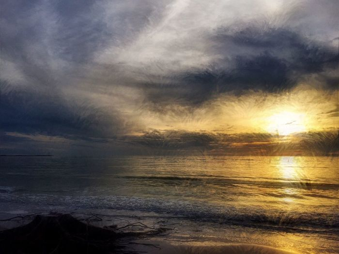 Sunset Nature Sea Sky Beauty In Nature Water Scenics Tranquil Scene Tranquility Cloud - Sky No People Beach Outdoors Horizon Over Water Idyllic Day Distortion Serene Florida Florida Sunset EyeEm Nature Lover Cloudy Skies