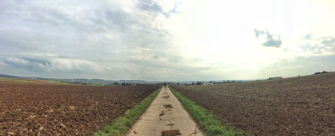 …actually wanted to go for a run, yet shoulder injury causes too much pain. Instead walking & enjoying scenery! Panorama