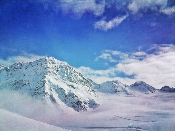 Between sky and earth Mexturesapp Mextures Naturelovers Nature_collection EyeEm Nature Lover Streamzoofamily Austria Pitztaler Gletscher Landscape_Collection Landscape_photography Mountains