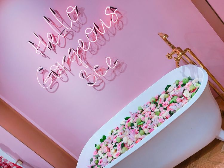 You are gorgeous, never forget Hello Gorgeous Korea 3ce Pink Flowers Bathtub Girly