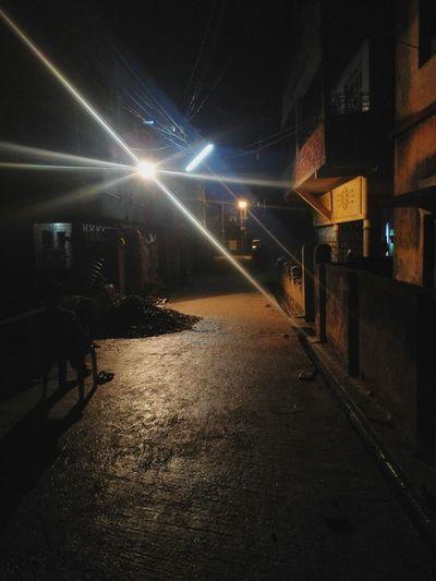 Night Night Lights Quietness Darkness And Light Glair Light Leak Mistery Misterous Empty Alleyway Man In Dark September 2016 Road Lights Leaks