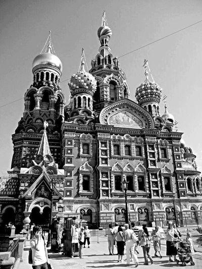 Saint-Petersburg July 2011 QVHoughPhoto Saintpetersburg Russia Blackandwhite Church Churchonspilledblood Streetphotography Streetphoto_bw