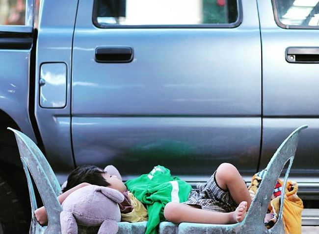 Sleeping Kids Gaya Street - Kota Kinabalu , Sabah Gayastreet Kotakinabalu Sabah Negeribawahbayu Tourism Malaysia Reflexsology Market Pasar Vscomalaysia Vscography VSCO