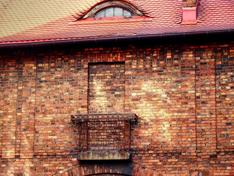Architectural Detail Architecture Architecture_collection Balcony Brick Brick Wall Building Exterior Built Structure Colours From My Point Of View Getting Inspired No Exit No People Old Buildings Pattern Pattern Pieces Streetphotography Window Of The World