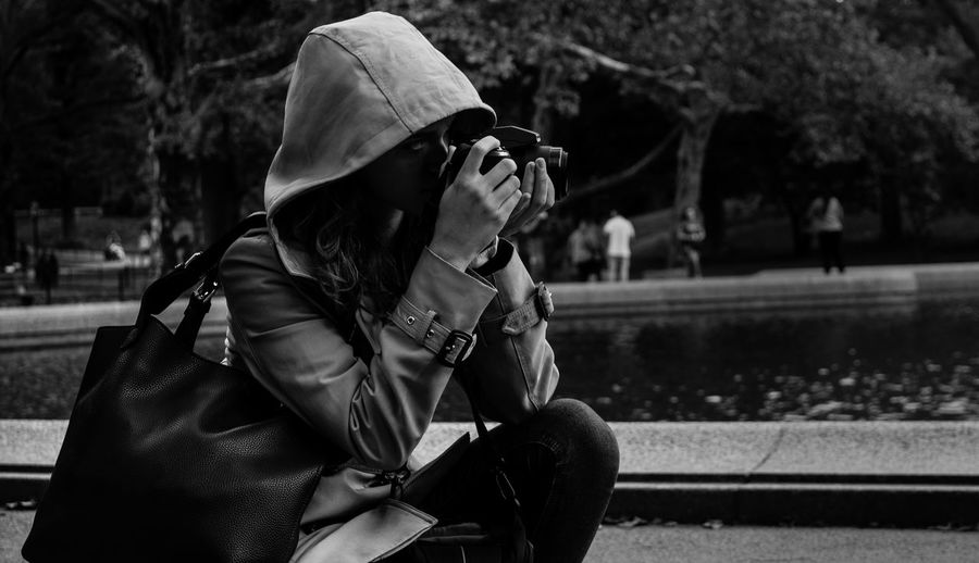 Shooting 📷 Photography Streetphotography NYC Central Park B&w Women EyeEmNewHere EyeEm Best Shots - Black + White Nikon D3300 Warm Clothing Women City Tree Overcoat Trench Coat The Modern Professional