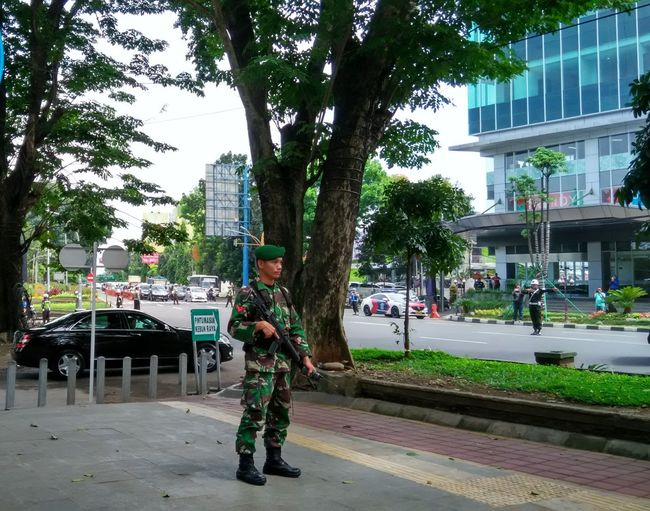 VVIP Guard City Life Outdoors People Government Escort Shadows & Lights Shadow And Light Tree Shades Watchful Eye